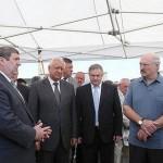 Лукашенко: пора заканчивать молиться на Россию