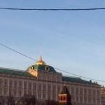 Над Кремлевским дворцом съездов спустили флаг, с Путиным связаться невозможно