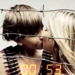 В России детский музыкальный коллектив «Лисята» выпустил эротический клип к 9 мая