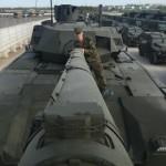 В танке Армата кроме картона отдельные детали прикручены проволокой (фото)