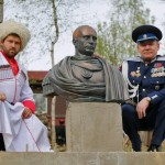 Путину в Питере поставили памятник /Фото/