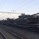Эшелон с российскими танками прибыл в пограничный с Украиной город на юге России