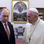 К чему склонял Путин Папу?