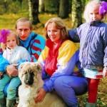 Руководство России давно вывезло своих детей за границу вместе с деньгами