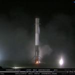 Впервые первая ступень ракеты приземлилась самостоятельно после  запуска спутников (видео)