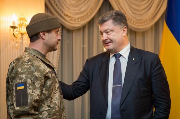 Порошенко подписал указ опомиловании жителя России Старкова