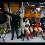 «День без штанов» в иерусалимском трамвае