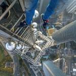 Бесстрашные руферы на шанхайском небоскребе
