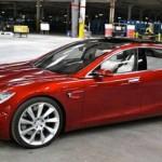 Tesla будет самостоятельно парковаться и приезжать к владельцу
