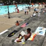 Нью-Йорк приглашает поплавать в бассейнах