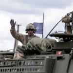 НАТО приняло решение готовиться к войне на два фронта