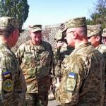 Командующий сухопутными войсками Вооруженных сил США посетил зону АТО (фото)