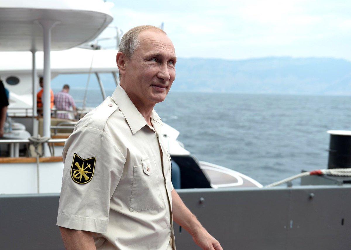 Главком ВМС Украины пообещал вернуть Крым в предстоящем году