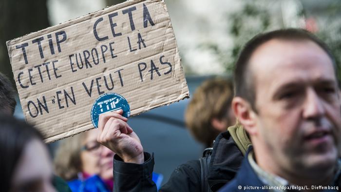 Вевропейских странах митингуют против торговых отношений сСША