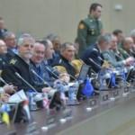 Муженко рассказал в НАТО о возможных сценариях войны на Донбассе