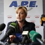 Ле Пен: французские евреи должны отказаться от гражданства Израиля