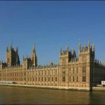 У здания парламента Британии произошла стрельба — до 10 человек ранено