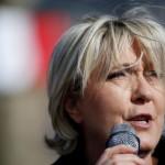 В Париже марш против Ле Пен перерос в беспорядки