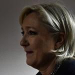 В Париже неизвестные подожгли предвыборный штаб Марин Ле Пен