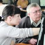 Будущие израильские програмисты обучают выживших в Холокосте