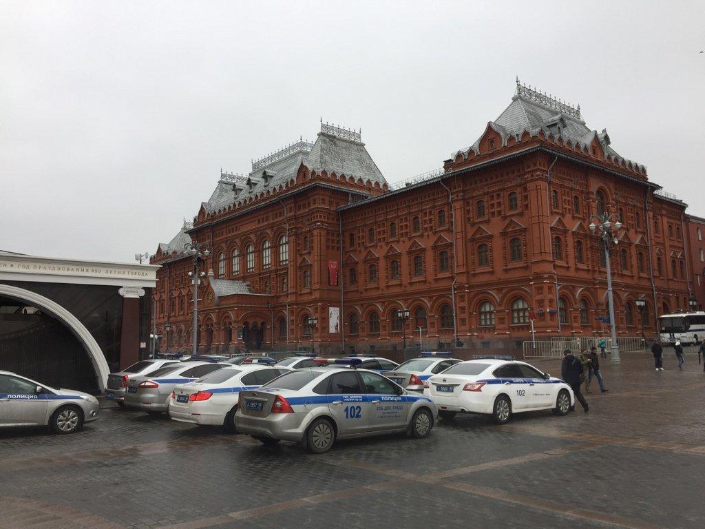 КМанежной площади в столице России стянуты силы милиции иРосгвардии