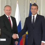 Макрон заявил Путину, что готов усилить санкции «за Украину»