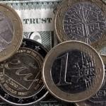 Курс евро взлетел к курсу доллара