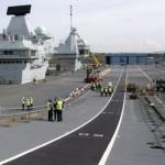 Крупнейший в истории британский авианосец вышел в море (фото)
