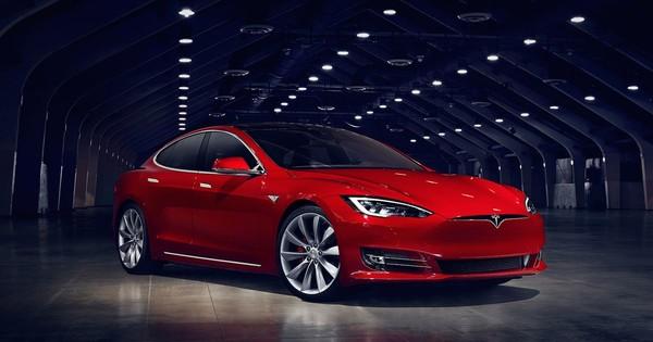 Tesla Model Sпроехала 900 километров без подзарядки