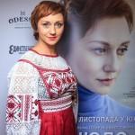 Известная украинская актриса отправила сына в АТО и стала волонтером