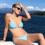59-летняя Шэрон Стоун опубликовала в Instagram свое фото в мини-бикини с отдыха на яхте