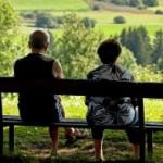 В Голландии всем старше 55 лет требуют выдавать по 1000 евро в месяц