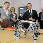 Русский робот с интеллектом за 12 млрд. показанный Медведеву оказался игрушкой LEGO