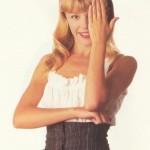 Кайли Миноуг поделилась собственным раритетным фото, где ей 19