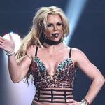Бритни Спирс на концерте подтвердила, что все еще поет вживую (видео)