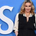 Родной брат Мадонны рассказал что у нее много «странностей»