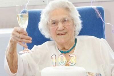 centenarians-2[1]
