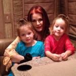 Вдова Элвиса Пресли рассказала об издевательствах над их внуками