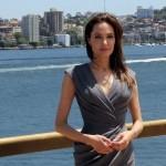 Джоли после расставания с Питтом отказывается от сексуальных связей и предпочитает бога