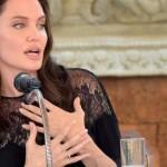 Анджелине Джоли предстоит новая операция, не смотря на удаление груди