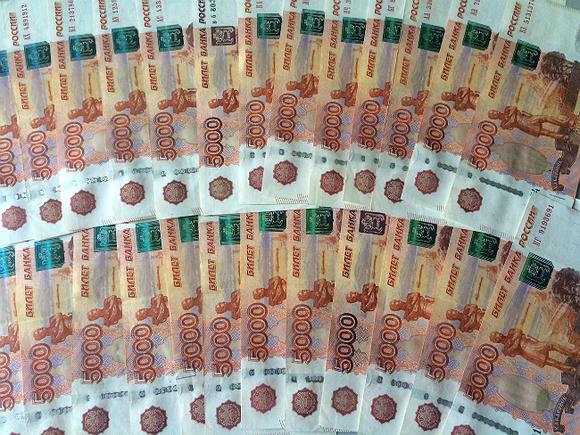 Банки выкачивают капитал изэкономики РФ, расплачиваясь посвоим долгам