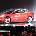 Tesla терпит убытки полмиллиона в час, но при этом акции растут в ожидании Model 3