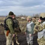 Американские военные побывали на линии фронта на Донбассе, изучая обстановку