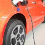 В этом году впервые продадут более миллиона электромобилей