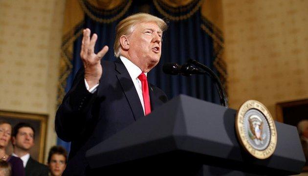 Большинство американцев считают, что мировые лидеры неуважают Трампа