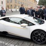 Папа Римский отказался от Ламборджини и вернулся к своему любимому форду-Фокус