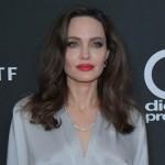 Анджелина Джоли рассказала, почему передумала встречать рождество с Питтом