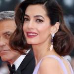 В сети появился снимок Амаль Клуни со школьных времен