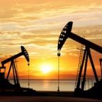 Нефть дешевеет из-за недельного роста запасов нефтепродуктов в США