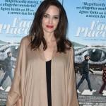 Анджелина Джоли внезапно решила помириться с Брэдом Питтом